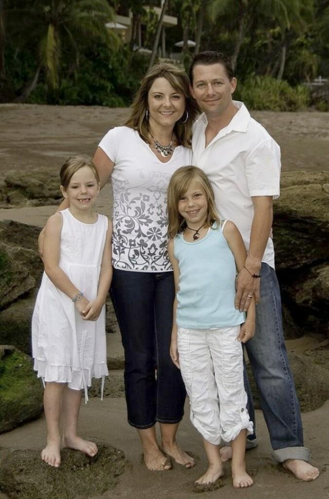 slider-family-beach-portrait2