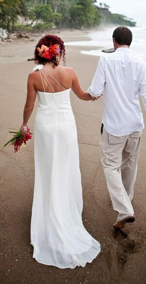 slider-vow-renewal-couple-beach
