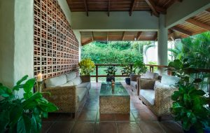 main-master-garden-patio-1