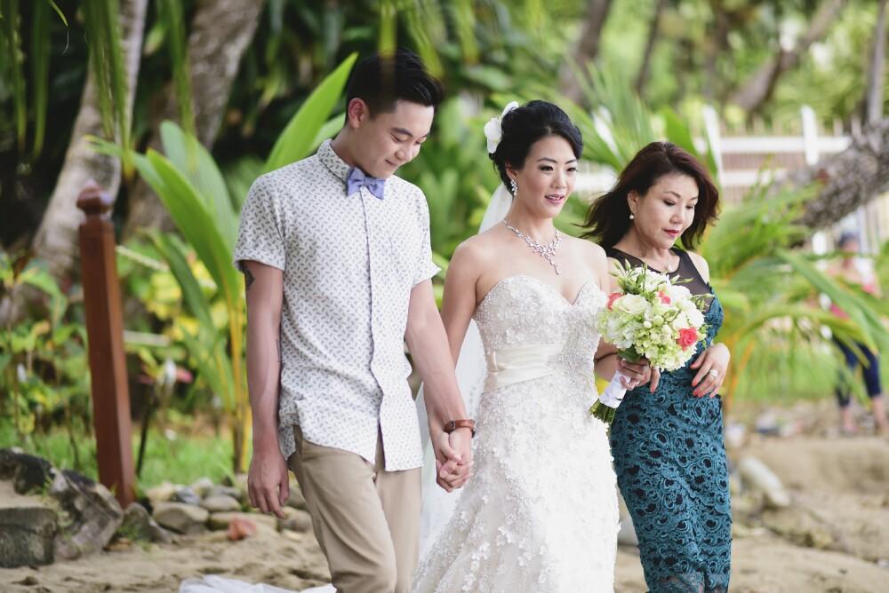 wedding-party-beach-costa-rica